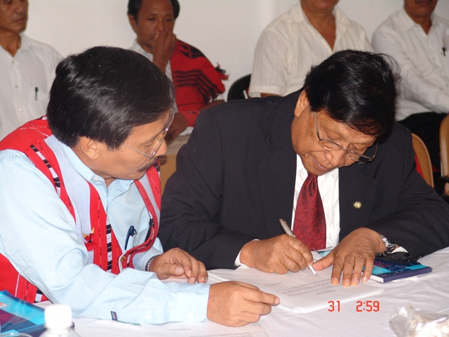 joint-comm-signing-1