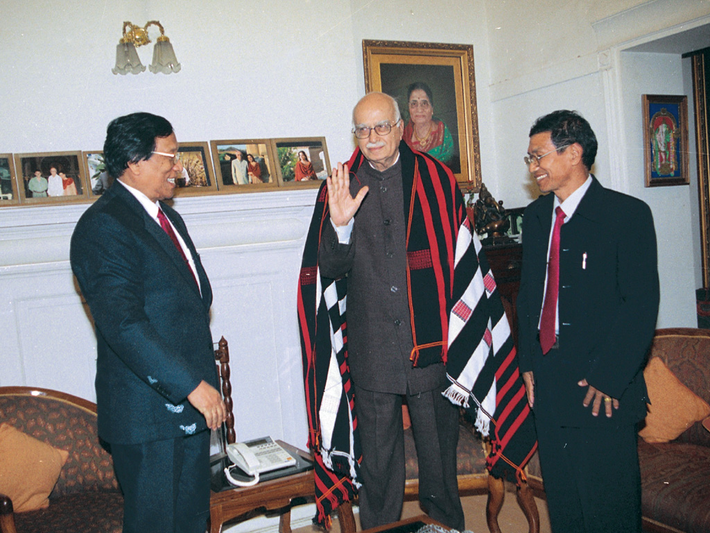 th-muivah-qhevihe-with-advani